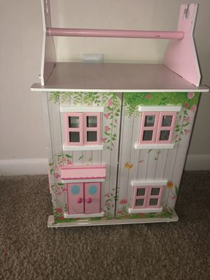 Dollhouse for 2-6 year old girl for Sale in Richmond, VA