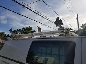 Para escalera vans for Sale in Miami, FL