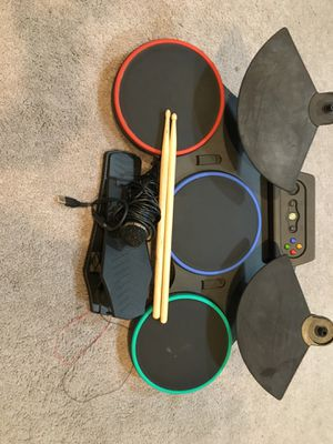 Guitar Hero drum set with mic for Xbox 360 for Sale in North Las Vegas, NV
