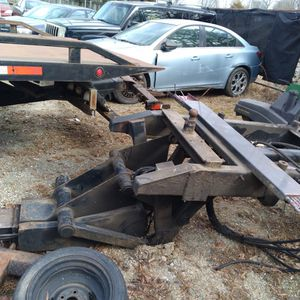 Jerdan Under Mount Lift Sneak Lift No Pto And No Controller 3200 $ Came Off A F550 2002 Model Bring Truck And Hands To Lift for Sale in Charlotte, NC