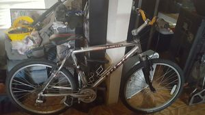TREK 4500 MOUNTAIN BIKE 26 INCHES for Sale in Avondale, AZ