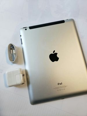 Ipad 4, 4th Generation, Cellular and WI-FI Internet access, Excellent Condition. for Sale in Springfield, VA
