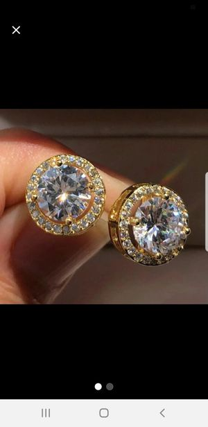 Gold 14K Plated Crystal Diamond Halo Earrings for Sale in North Miami Beach, FL