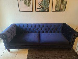 Sofa en excelentes condiciones for Sale in Miami Beach, FL