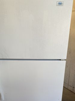Roper Fridge for Sale in Newhall,  CA