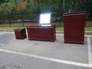 🐅👀 Dresser set 🎊🌎 for Sale in Smyrna, GA