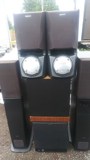 MK v90 12 inch powered sub Sony 12 inch powered sub with Tower speakers and saw speakers for Sale in Tacoma, WA