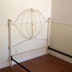 Vintage White Full Size Iron Bed for Sale in NV, US