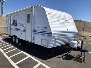 2000 Prowler 22FT. Travel Trailer W/Slide for Sale in Rancho Cucamonga, CA