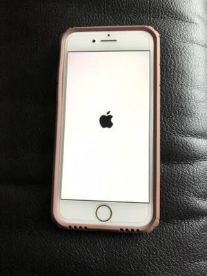 iPhone 7 Rose Gold 32GB with free case! for Sale in New York, NY