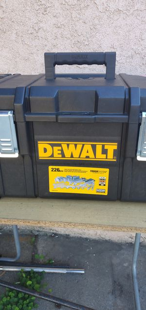 Dewalt Mechanics 226pc. combo Tool Set kit with ToughSystem Tool Box toolbox for Sale in Rosemead, CA