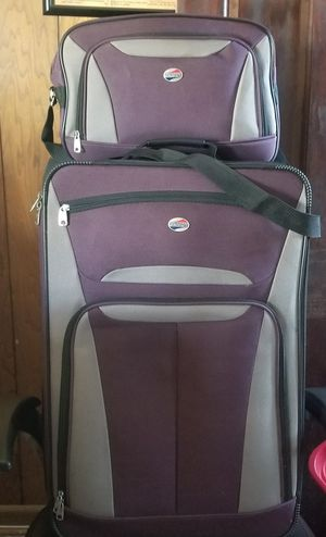 4 piece American Tourister luggage set for Sale in Alexandria, VA