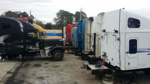 Freightliner truck parts for Sale in Forest Park, GA