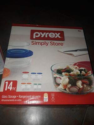 Pyrex simply store 14 pc glass storage for Sale in Paradise, NV