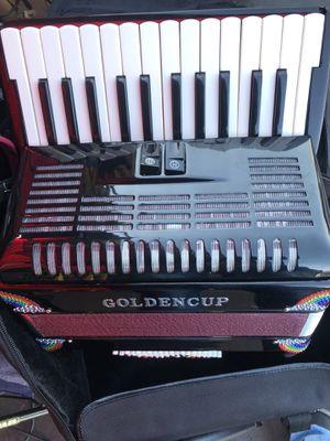 Vendo mi acordeón nuevo for Sale in Compton, CA