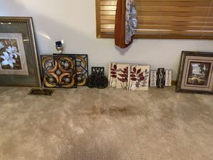 Wall pictures plus Brick&Brack for Sale in Rogersville, TN