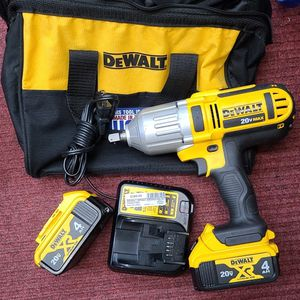 "Dewalt 1/2"" Impact Wrench 20v 5ah Kit for Sale in Arlington, VA"