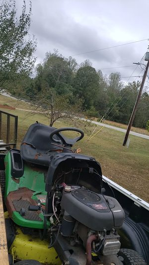 John Deere for sale from estate sale.. does run motor clean needs help for Sale in Burlington, NC