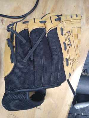 Size 10 baseball glove for Sale in Bloomingdale, IL