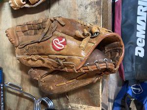 Baseball glove for Sale in San Ramon, CA