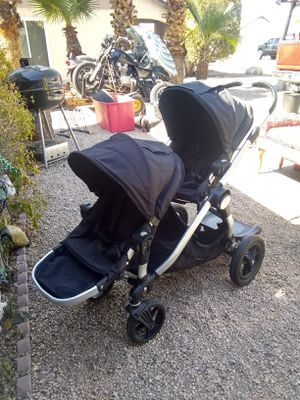 CITY SELECT STROLLER For two kids Has buggy for child to stand on . Has attachment for infant car seat see pics Read description for Sale in Glendale, AZ