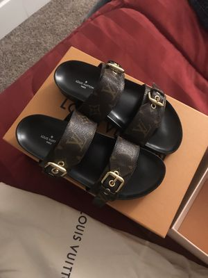 Louis Vuitton sandals size 6 for Sale in Florissant, MO