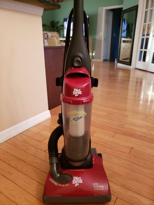 Dirt Devil vacuum. New belt and filter. 12 amp. Great suction. for Sale in Largo, FL