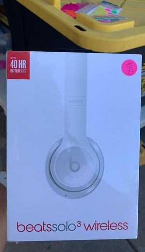 Beats Solo 3 wireless up to 40 hours of battery life white brand new sealed box $150 obo for Sale in Riverside, CA
