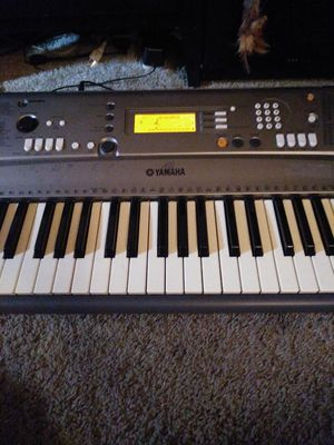 Yamaha keyboard for Sale in UPPER ARLNGTN, OH