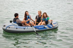 Inter excursión 4 inflatable boat whit rows fishing inflatable boat blue black and grey great for people whit little space great exercise whit paddle for Sale in Miami, FL