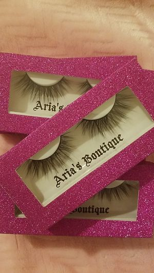 Glitz 3d mink lashes for Sale in Newport News, VA