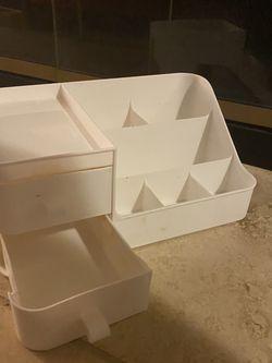 Plastic White Desk Organizer for Sale in Federal Way,  WA