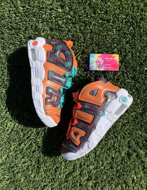 """Brand New Nike Uptempo """" What The 90s"""" Size 6y for Sale in Henderson, NV"""