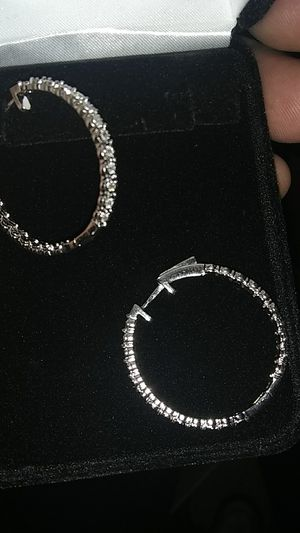 Women diamond earrings from Kay Jewelers for Sale in Parma, OH