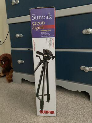 Sunpak Tripod for Sale in Mechanicsville, VA