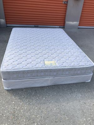 Queen size mattress and box spring for Sale in Baton Rouge, LA