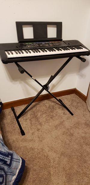 Yamaha PSR-E253 for Sale in New Hill, NC