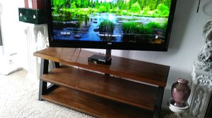 Swival t.v. stand for Sale in Plainfield, IL