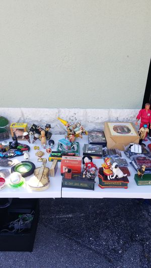 Yardsale today till 3 or 4 for Sale in Pompano Beach, FL