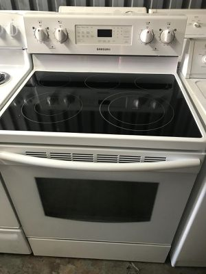 Samsung white stove for Sale in Orlando, FL