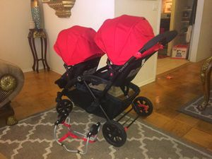 BRAND NEW DOUBLE STROLLER With Infant CARSEAT HOLDER for Sale in Berwyn Heights, MD