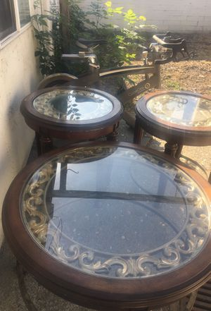 Three-piece coffee table for Sale in Fremont, CA