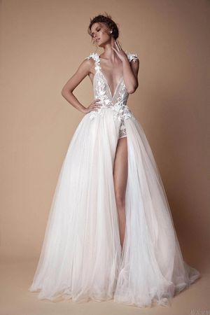 BERTA STYLE Classic Casual Bridal Dress for Wedding or Vacation for Sale in Corona, CA