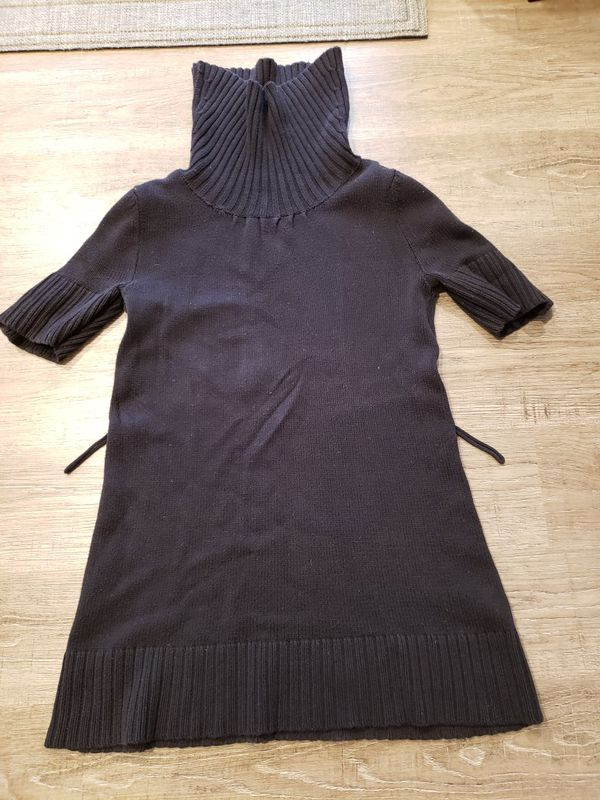 ELLE Women size s sweater with turtle neck