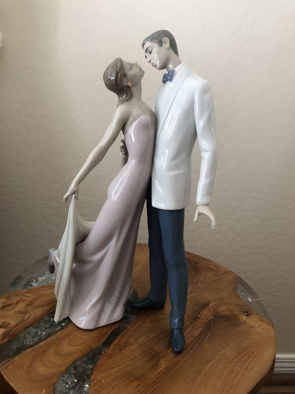 Lladro Happy Anniversary Figurine