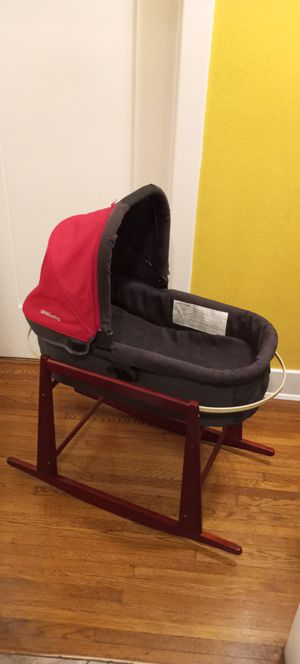 Uppababy bassinet with stand for Sale in Inglewood, CA