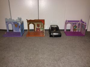 3 LoL Doll houses and a car for Sale in Walled Lake, MI