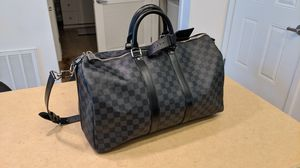 LOUIS VUITTON Damier Graphite Keepall Bandouliere 45 for Sale in Irvine, CA