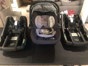 Excellent condition Baby Jogger infant car seat with 2 bases for Sale in Overland Park, KS