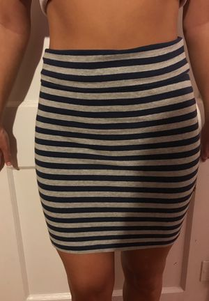 Size small pencil skirt (navy and grey) for Sale in Saint Pete Beach, FL